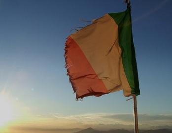 bandiera-strappata